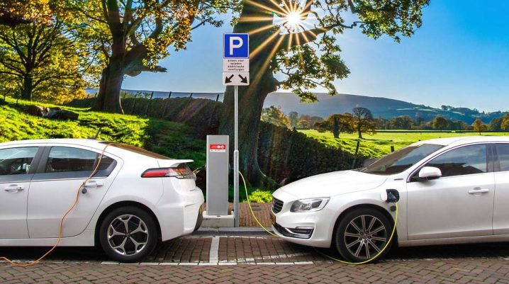 hybrid vs electric cars